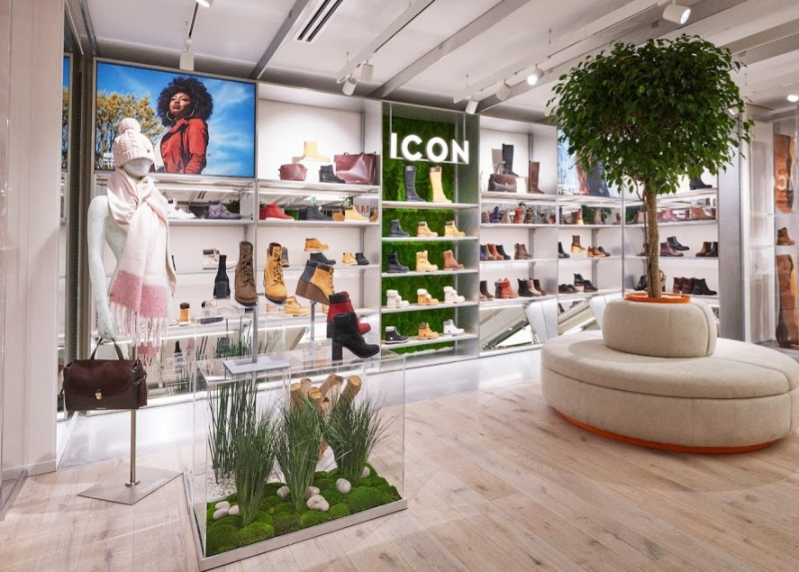 Biophilic retail design inspired by nature. Interior landscaping by Arti Green