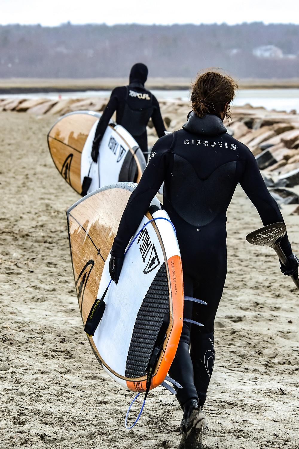 Neoprenanzug zum Surfen
