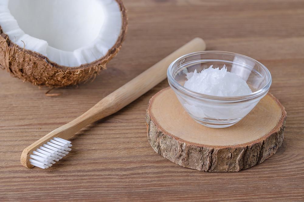 DAYO COCO Kokosöl zum Ölziehen für weisse Zähne und gesundes Zahnfleisch