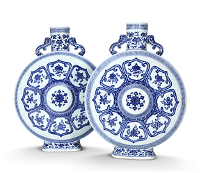 """An exceptionally rare pair of imperial blue and white """"bajixiang"""" moonflasks, bianhu, Qianlong seal marks and of the period, Bonhams"""