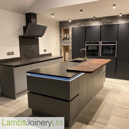 handleless wren kitchen fitted