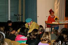 Clowns elfie & Anton in Schule Kilchberg_Schweiz.JPG