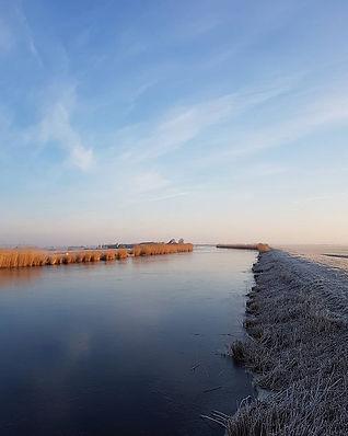 Bevroren ringvaart Wijde Wormer