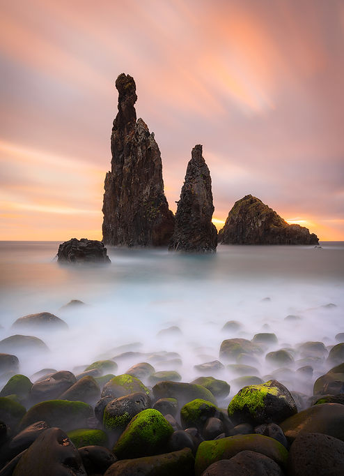 The Guardians nabij Porto Moniz - Jos Pannekoek