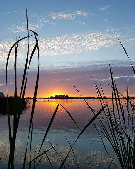 Kleurrijke zonsondergang bij het Zwet - Peter Haitsma