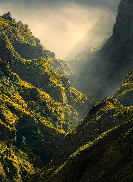 Één van de mooieuitzichten van het wandelpad over de Pico Do Areiro - Jos Pannekoek