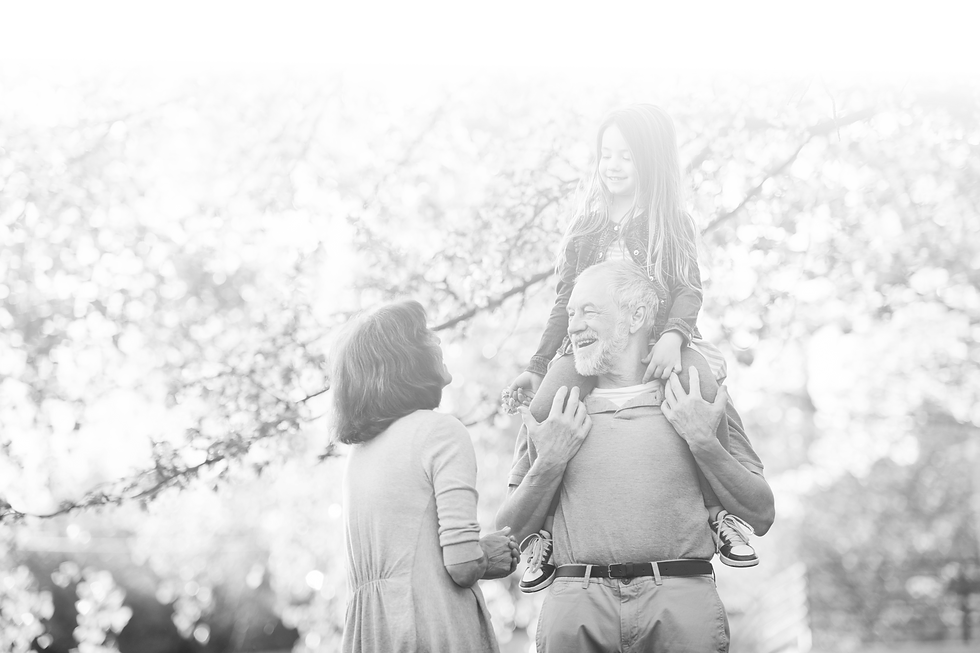 senior-grandparents-with-small-granddaug