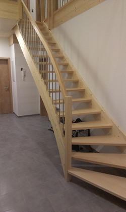 Eingestemmte Treppe, Fichte, Buche