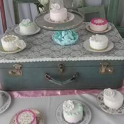 #absolutelycake #minicakes #vintage #bri