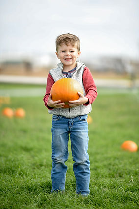 Maxwell_Pumpkin_Farm_Pumpkins_Boys (3).j