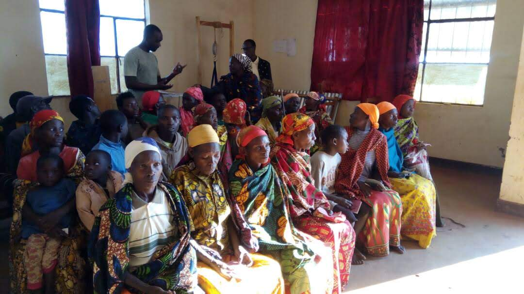 Womens' Teaching in Burundi