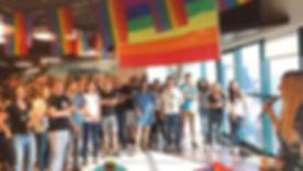 עובדי נטורל אינטלג'ינס באירוע גלאנץ' (בר