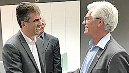Jim Carr visits Israel in role as Minist