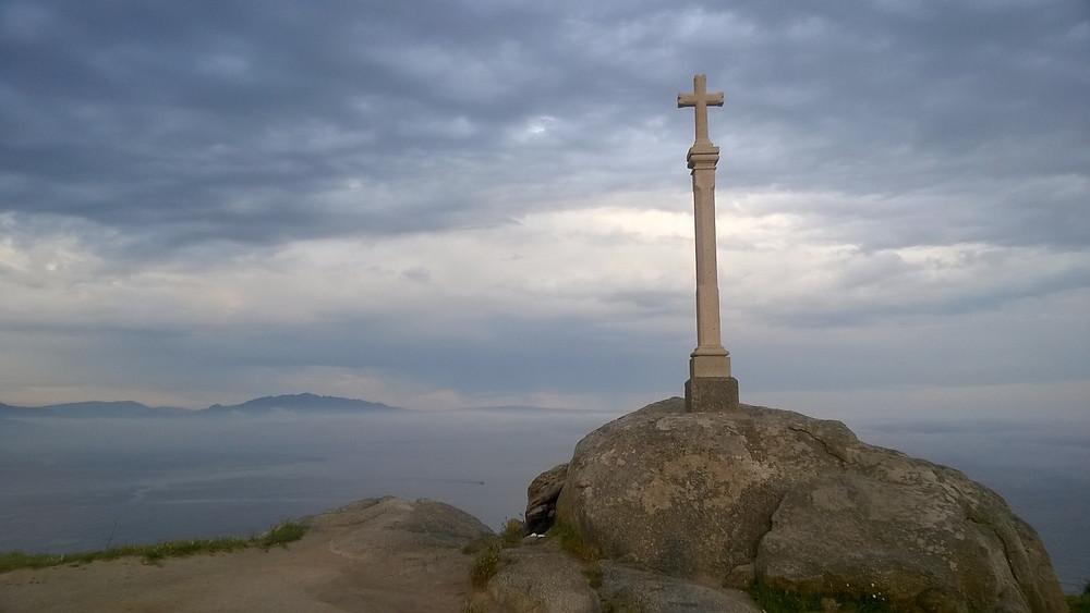 Каменный крест