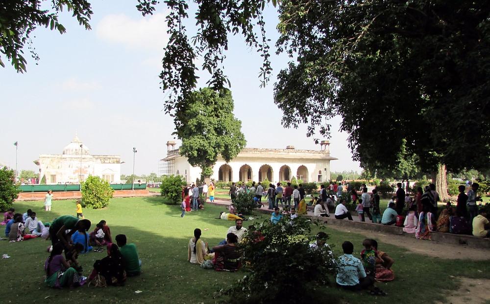 Индийцы в Красном Форте, Дели