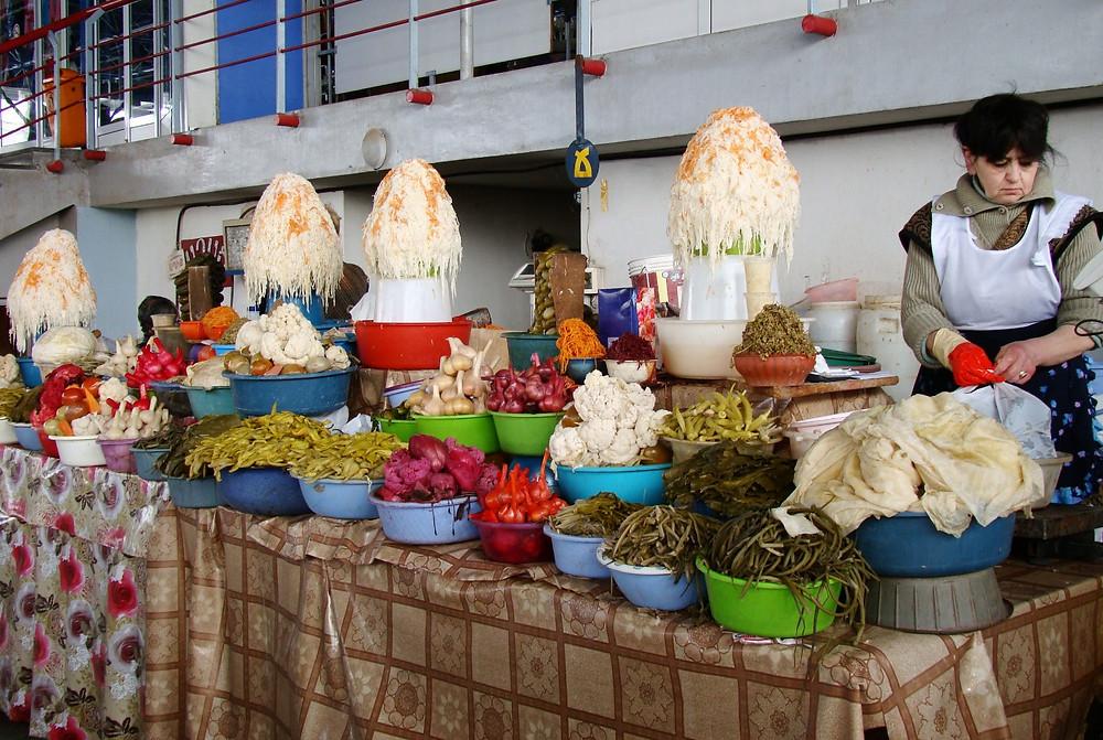 Соленья на рынке в Ереване
