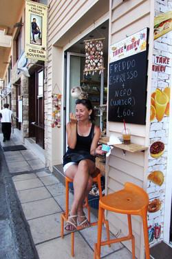 Дегустирую критское мороженое