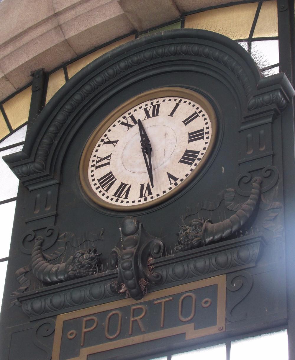 Часы в Порту