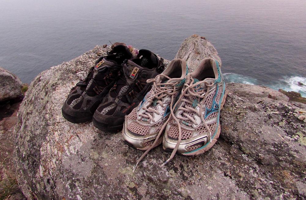 Старые кроссовки
