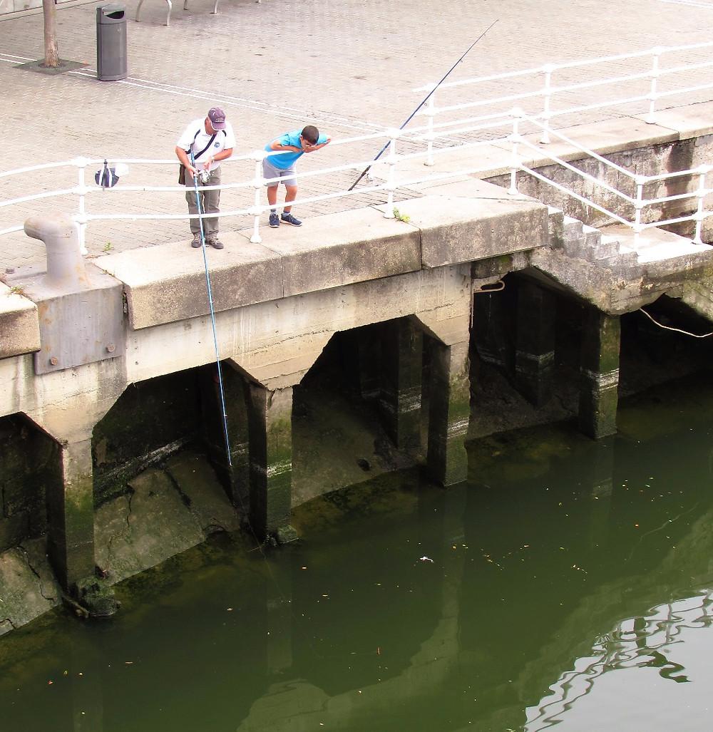 Рыбаки на реке Нервьон