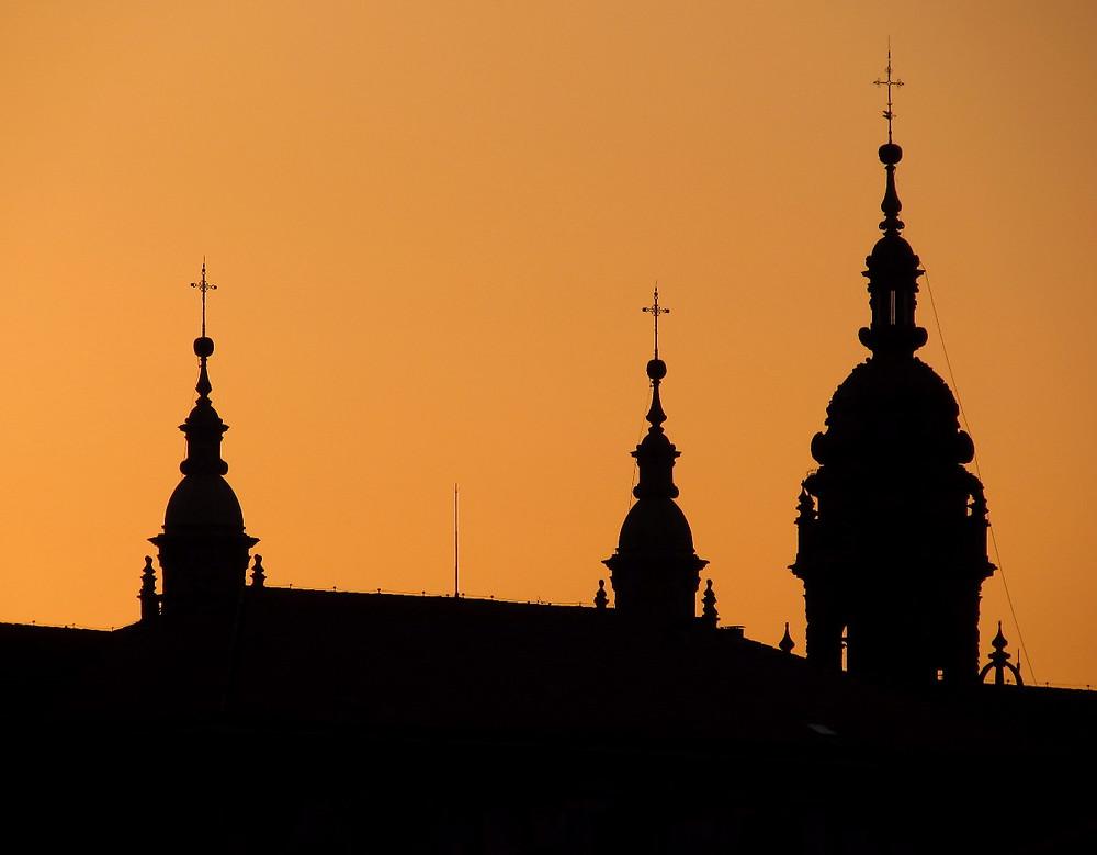 Купола собора на закате