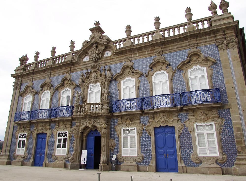 Дом с голубым азулежу