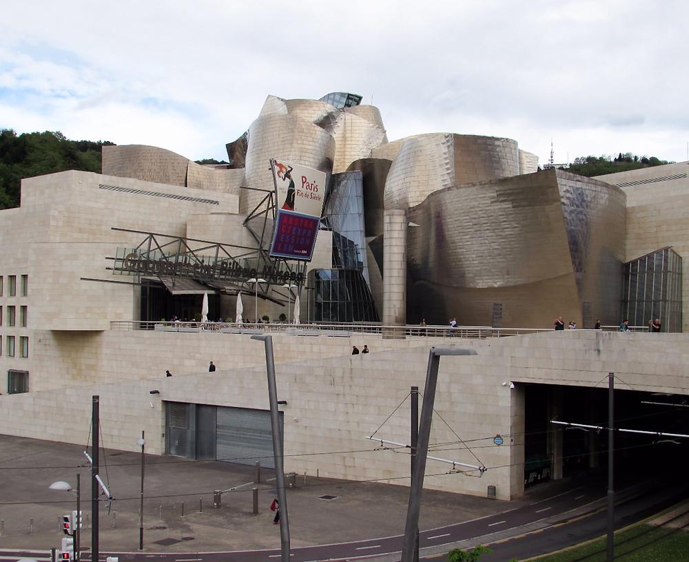Музей Геггенхейма в Бильбао