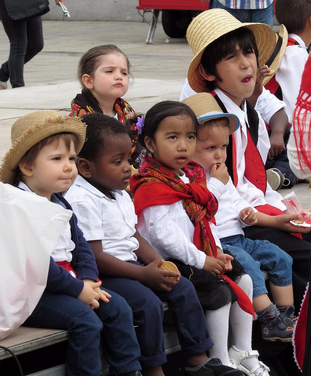 Дети ждут праздника