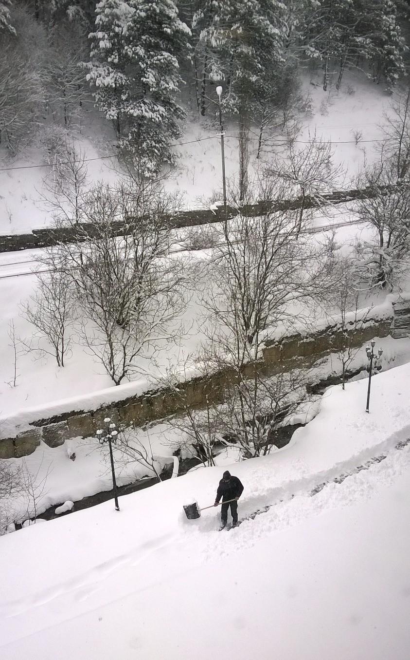 Снег в Дилижане