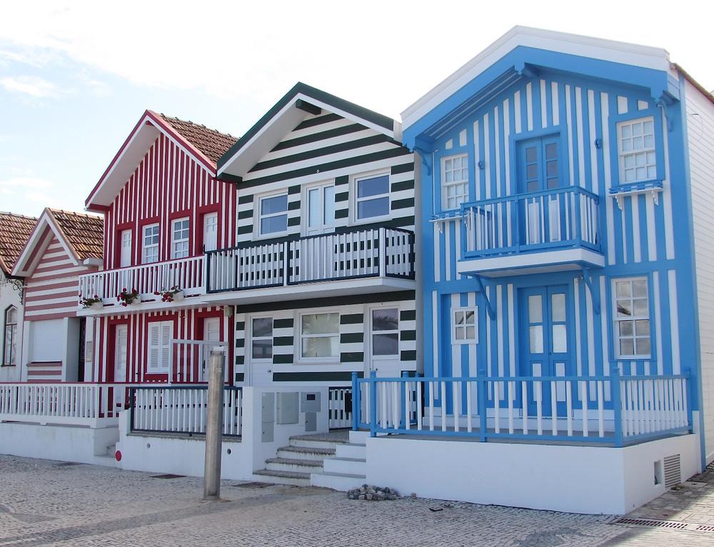 Полосатые домики в Кошта Нова