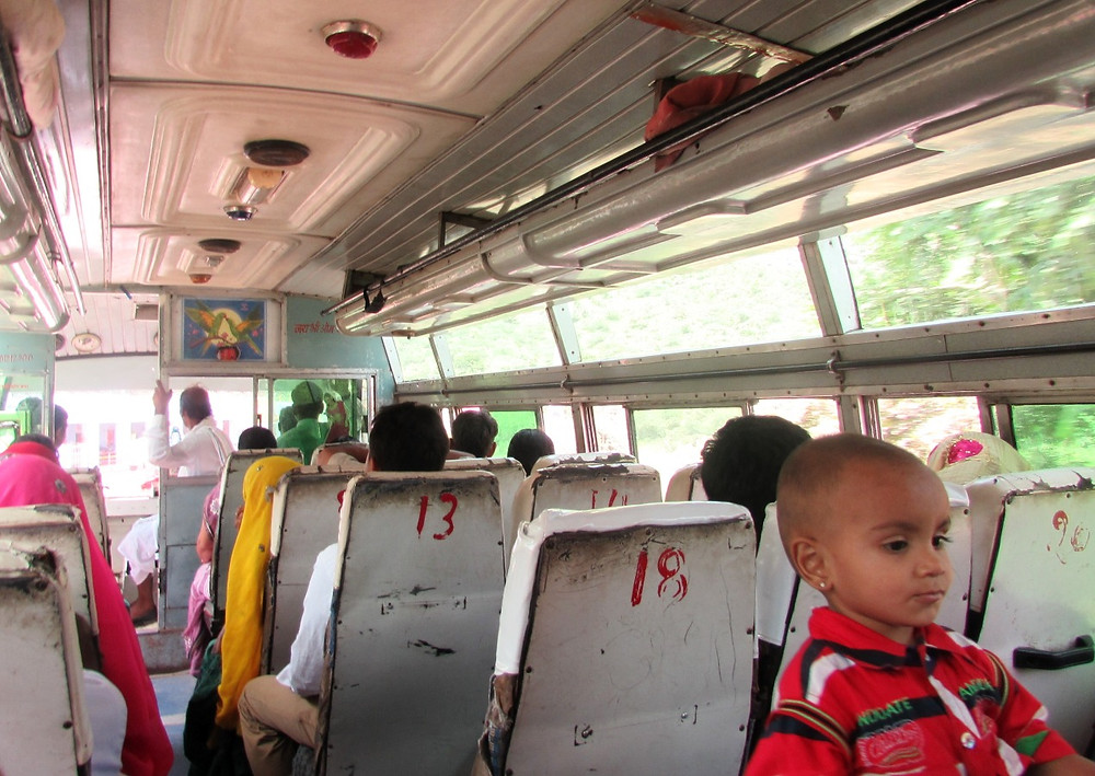 Автобус Аджмер-Пушкар