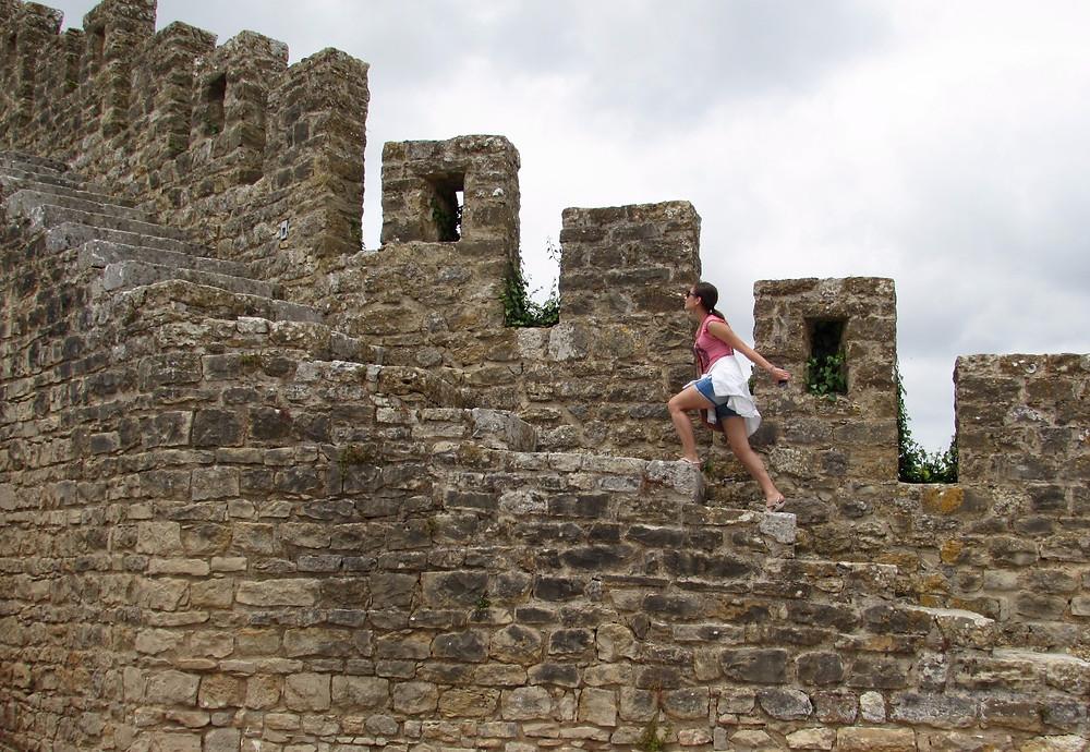 Подъем на крепостную стену