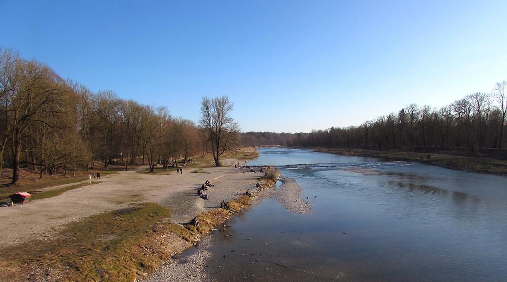 Берег реки Изар