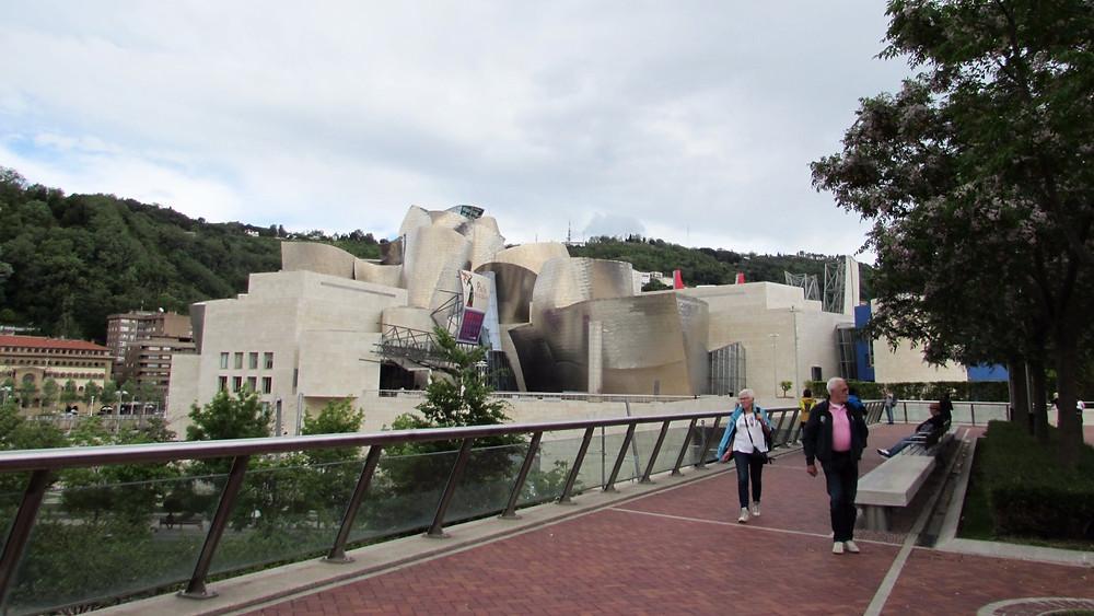 Музей Гуггенхейма в Бильбао