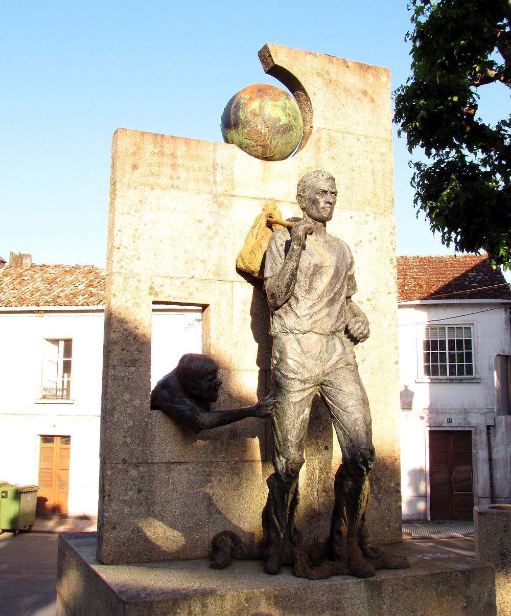 Памятник мигрантам