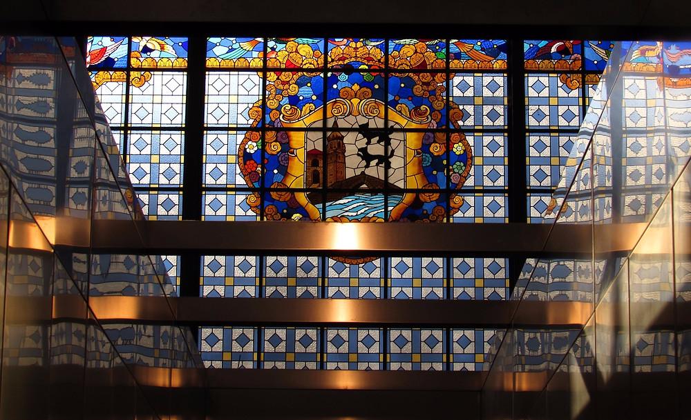 Витраж с гербом Бильбао
