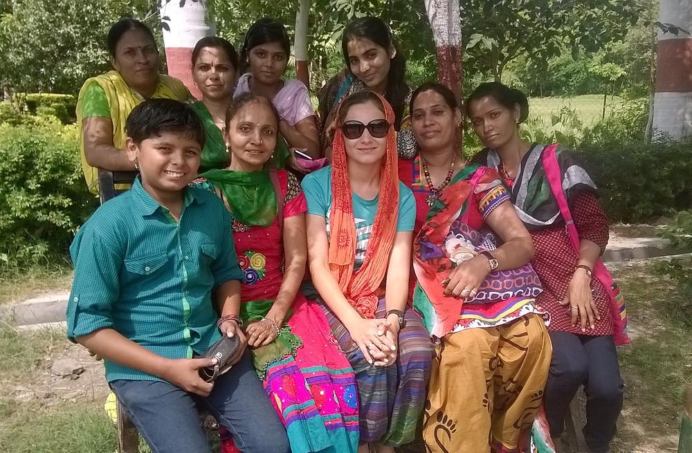 Рядом с индийцами