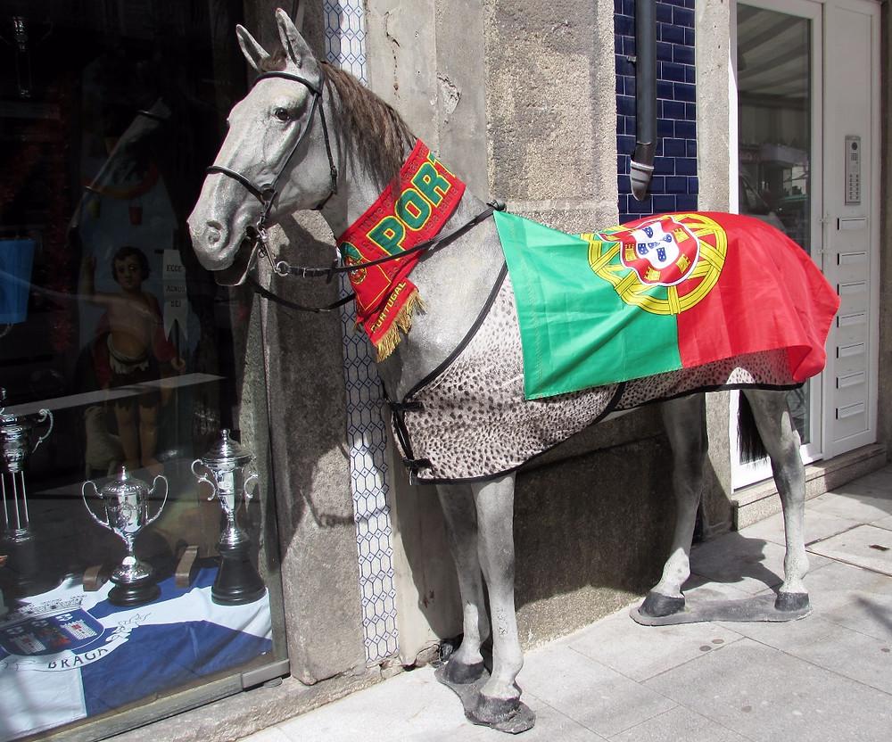 Лошадь тоже готова к празднику