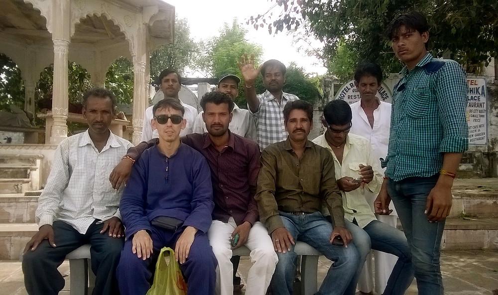 Фото с индийцами