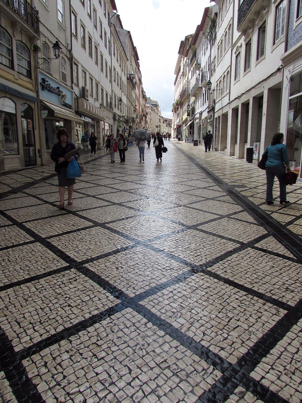 Пешеходная улица в Коимбре
