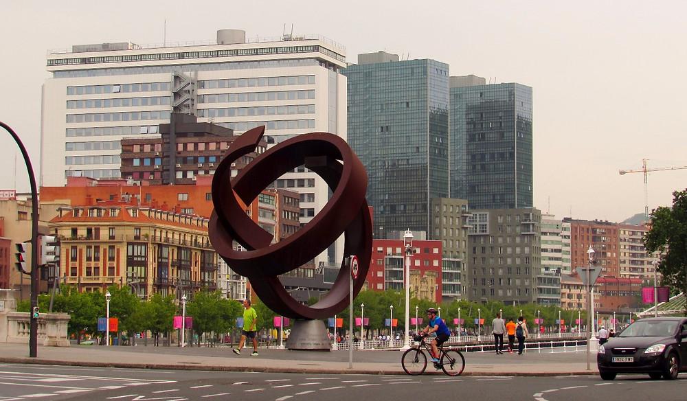 Площадь в Бильбао