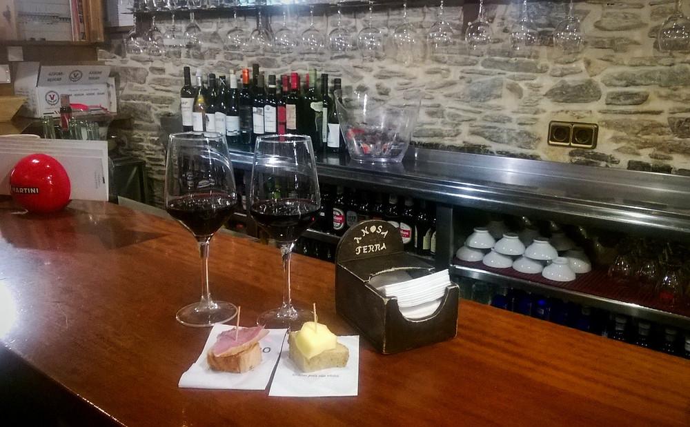 Вино в баре