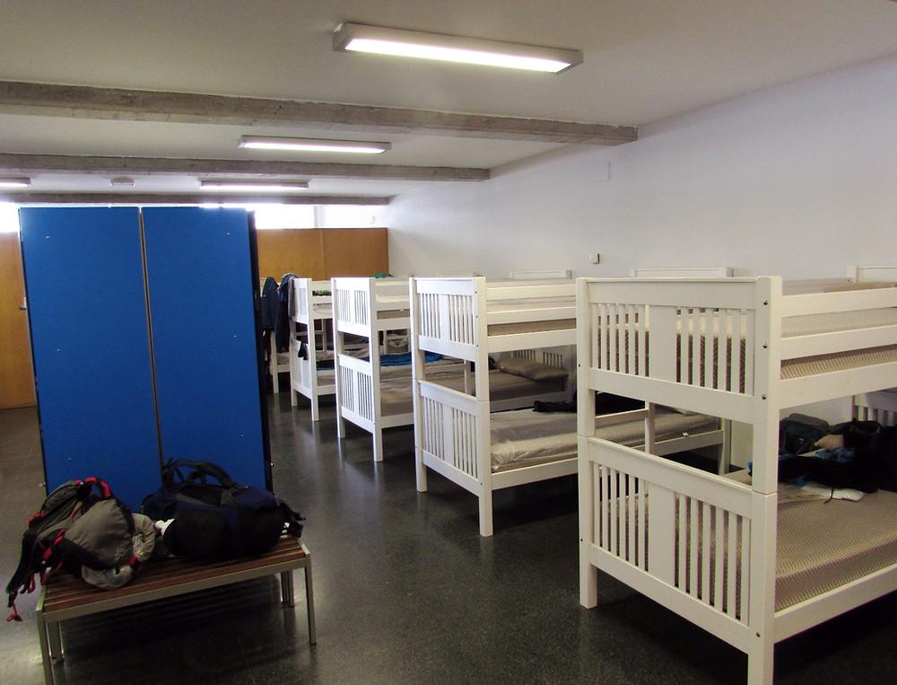 Спальня в альберге в Мушии