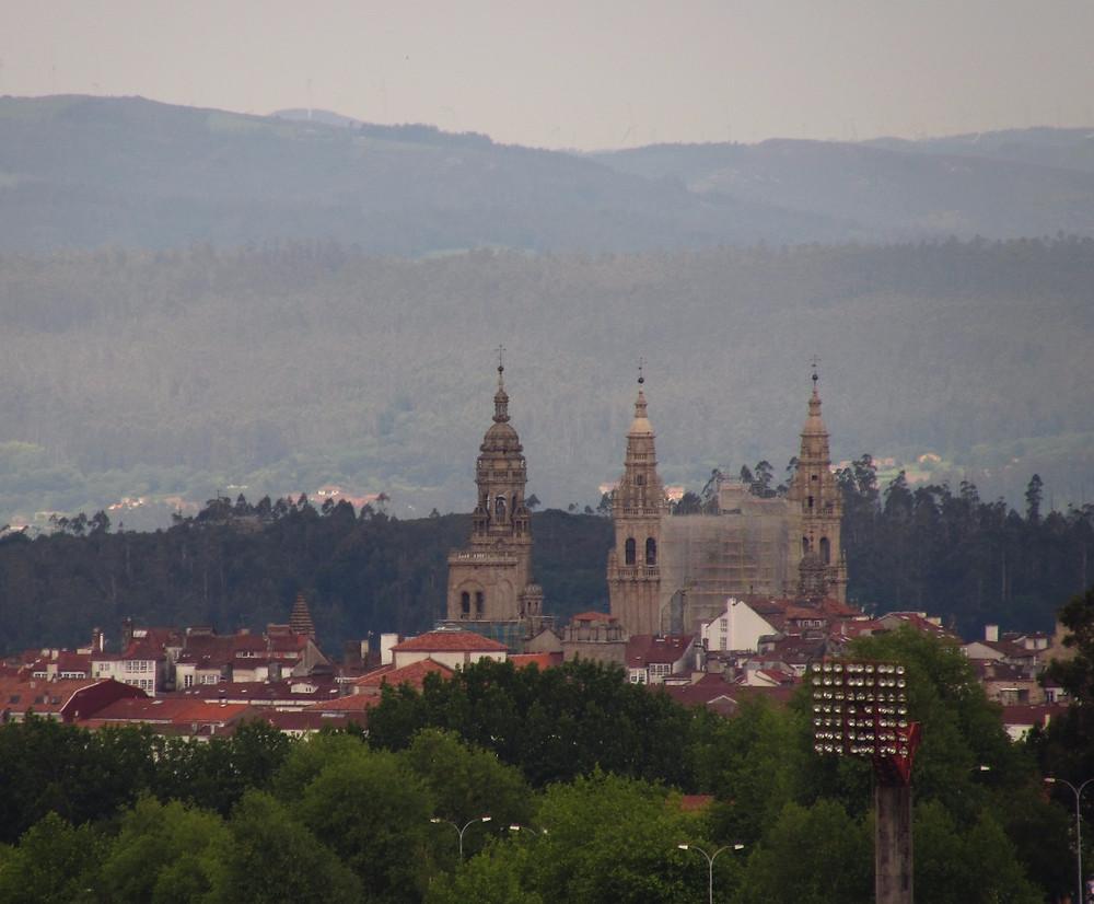 Вид на собор Сантьяго де Компостела с Монто до Гозо