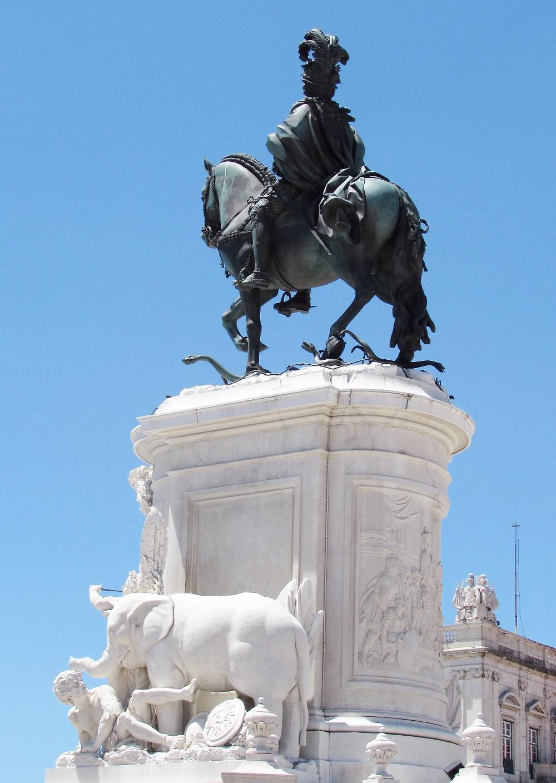 Памятник королю Жозе I