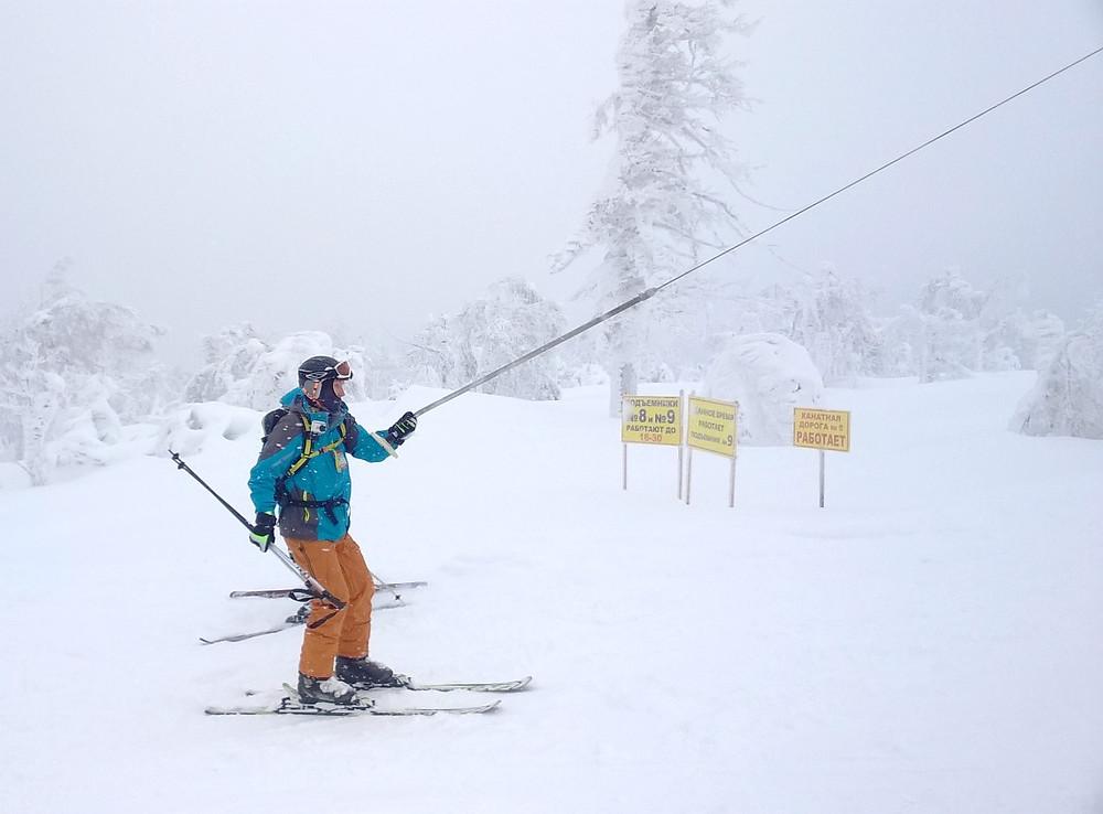 Лыжник на бугеле