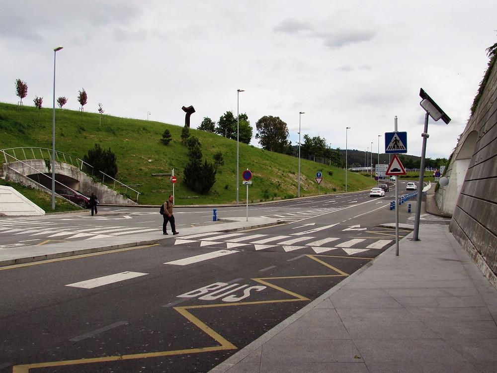 Остановка автобуса в аэропорту Бильбао