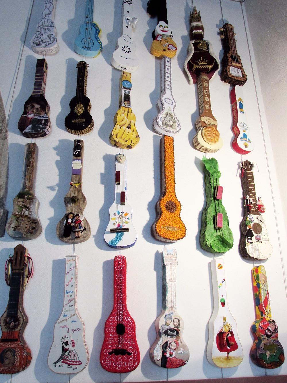 Выставка гитар
