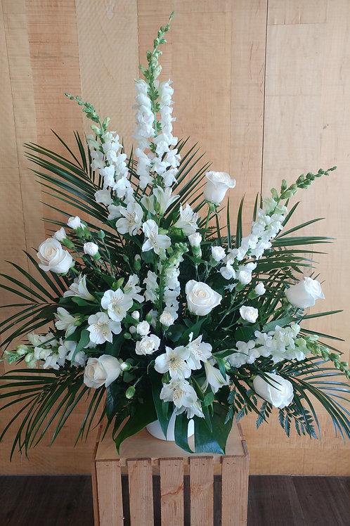 Arrangement blanc avec roses blanches