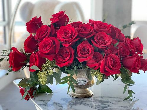 20 roses rouges sur compotier pour 140$ (41 roses rouges sur la photo)